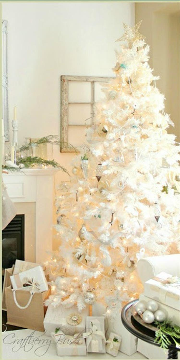 The white christmas tree