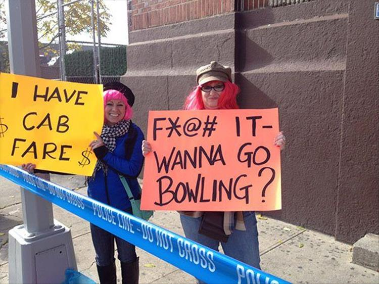 24 funny marathon signs that almost make running worth it