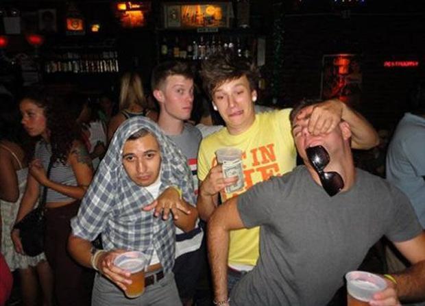 Bilderesultat for happy drunk people