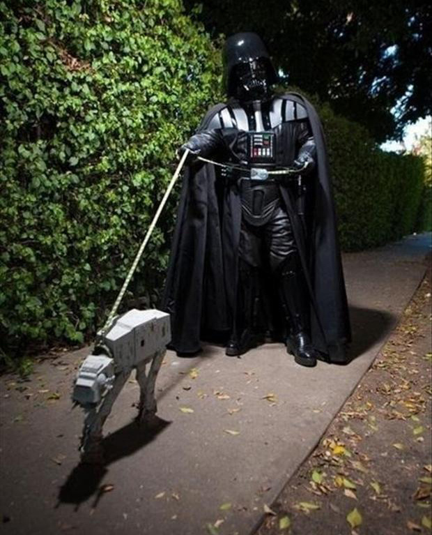 funny-star-wars-pictures-walking-his-pet